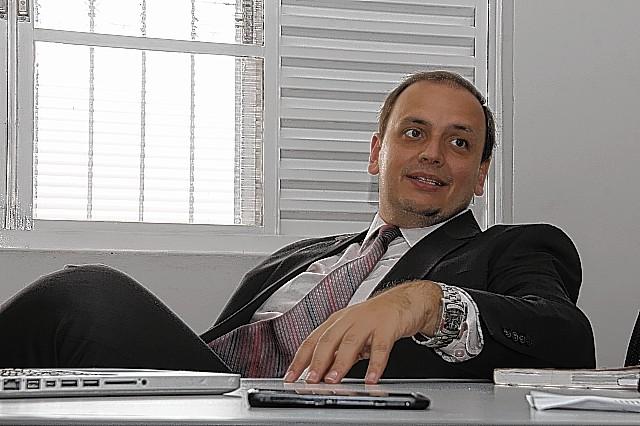 José Milagre - entrevista sobre EMEI, o RG do celular. 09/04/2015